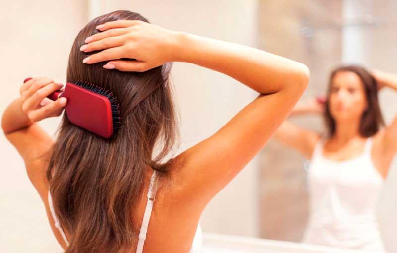 Desenreda tu cabello con un cepillo de silicona