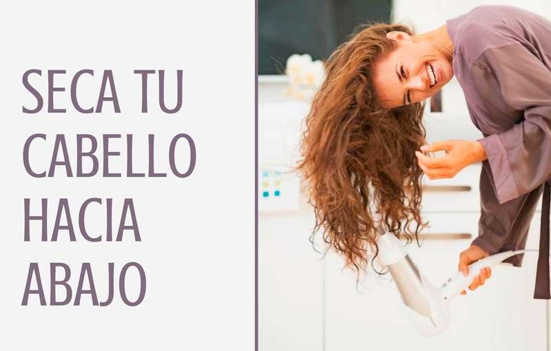 Seca tu cabello hacia abajo